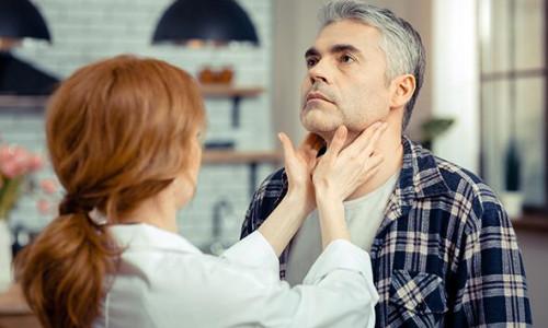 Julho Verde: mês de conscientização ao câncer de cabeça e pescoço